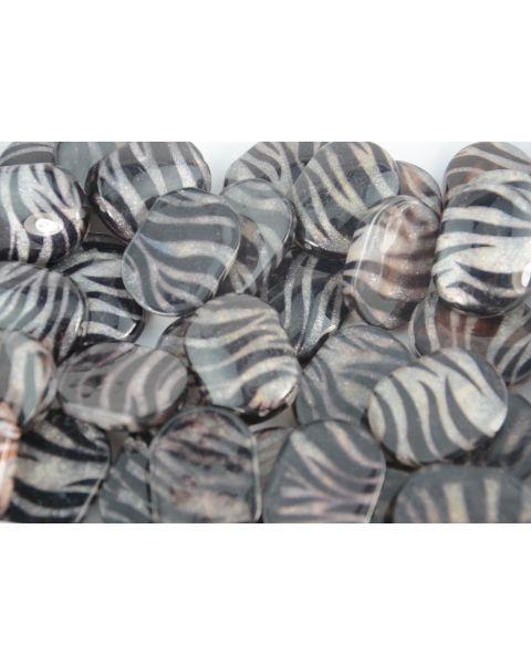 8 x Black & Silver Stripe Resin Beads - Zebra Animal Metallic Style Print DIY Jewellery Design
