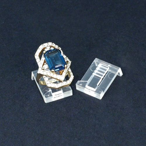 Pack of 50 Clear Plastic Ring Clips (BD1118)